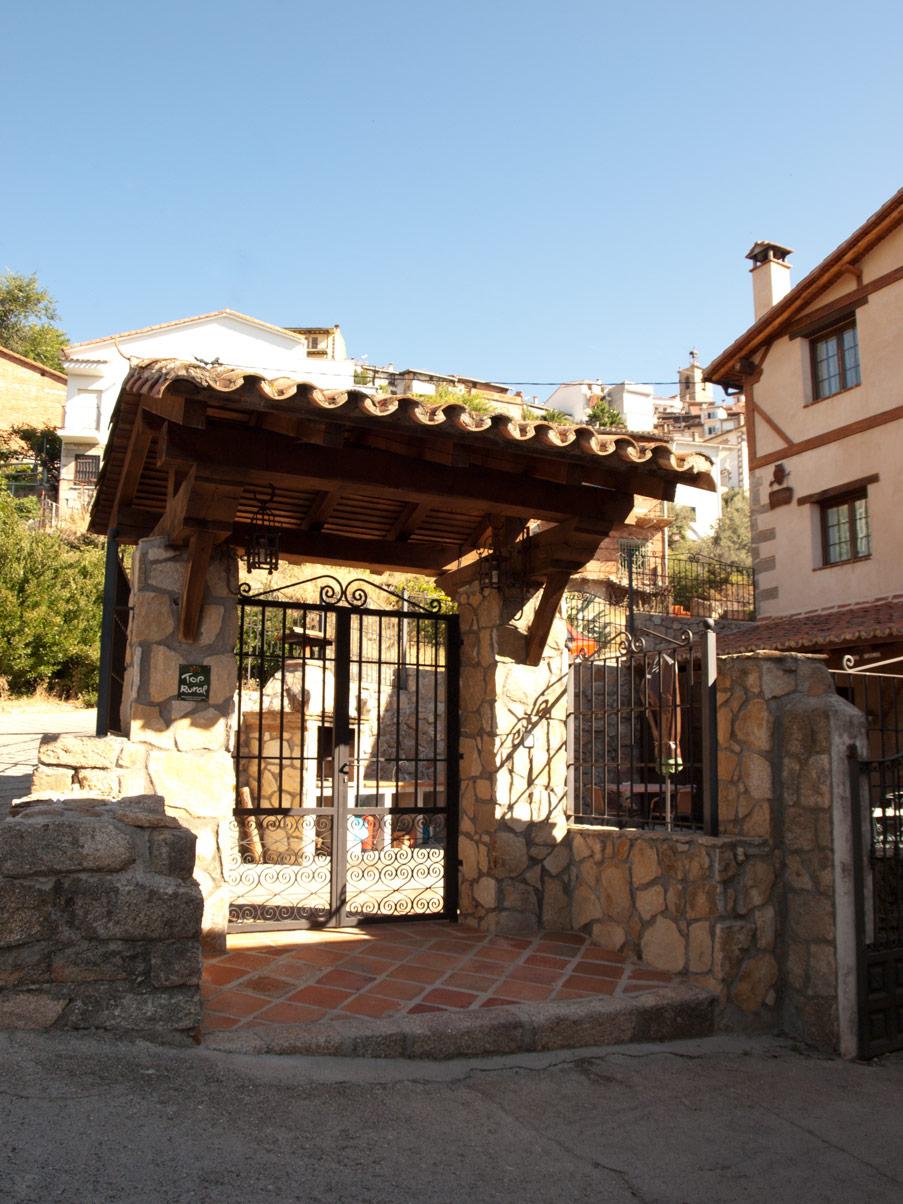 Patios vallados exteriores construcciones la eliza - Patios exteriores ...