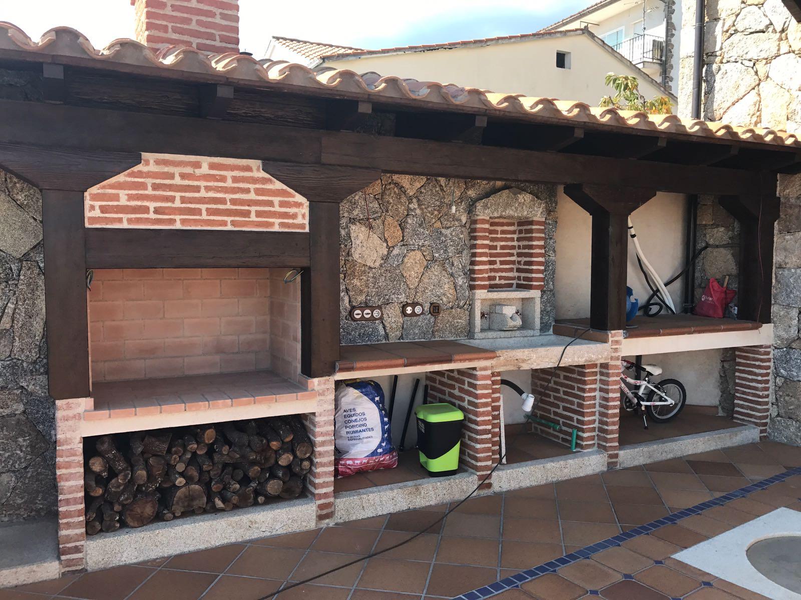 Elementos de mobiliario exterior construcciones la eliza for Mobiliario exterior